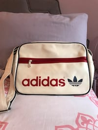 White and red adidas bag Montréal, H1C
