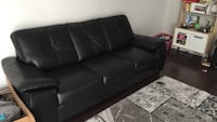 Leather couch only used 5 months got purchased at Leon's original price 1200 Waterloo, N2K 0C2