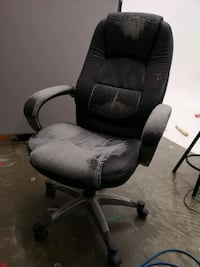 two black and gray car seats