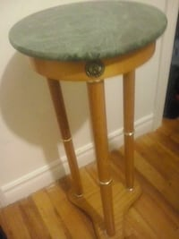round brown wooden side table Montréal, H8T 1Y2