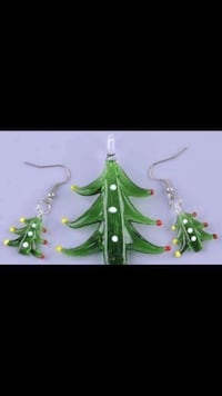 Green Christmas Holiday Tree Glass Necklace & Earrings Set Jewelry Vancouver, V5X 1A7