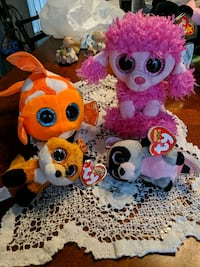 4- Ty beanie boos with tags Avon, 46123