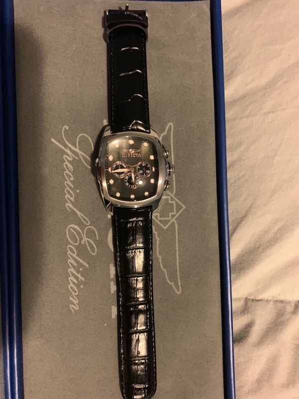 Men's Invicta grand Lupah watch with many bands. Need battery 6546f3f8-ff88-4347-83ce-68adaedab948