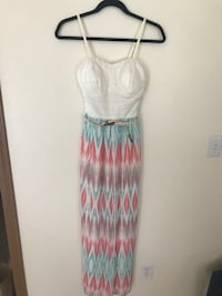 Women's maxi dress, size S  Centralia, 98531