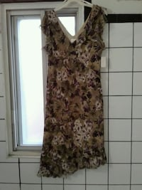 women's brown and white floral sleeveless dress  Montréal, H2E 2Y4
