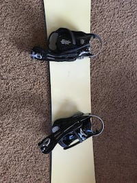 Black and white snowboard with bindings Reno, 89521