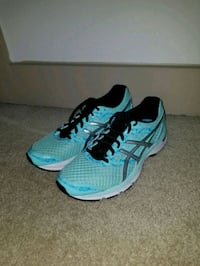 pair of blue-and-black Asics running shoes Austin, 78728