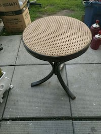 Wicker Top Table Ottawa, K2E 7X3