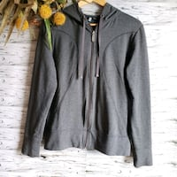 Roots Hoodie Full Zip Sweater Gray Size Medium. Laval, H7N 4Z7