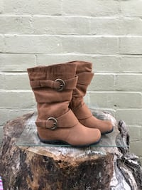 pair of brown suede double-buckled snow boots Modesto, 95351