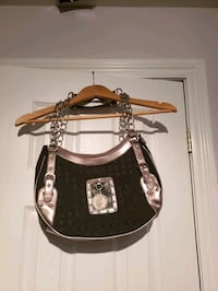 Rocca wear purse Bradford West Gwillimbury, L3Z 2A6