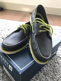 Sperry size 9.5 brand new