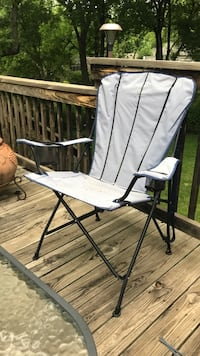 Portable Adirondack chair that probably needs refinished Prairie Village, 66208