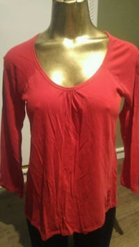 red scoop neck shirt size Large Winnipeg, R2L 0X1