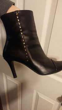 Size 6 leather boots perfect condition.