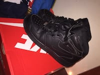 Size 6 Air Force 1s Louisville, 40216