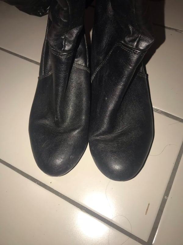 ALDO boots only wore twice, size 7 with a little wedge inside d9f8faa9-6476-4805-be51-2b54cb0617e4