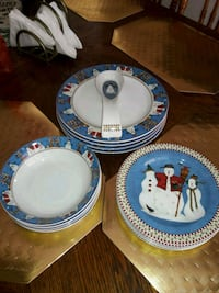 Christmas dishes service for 4