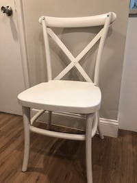 6 White kitchen or dining chairs