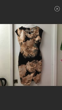 Bar III Floral Envelope Scuba dress. Size M.