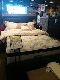 Queen size Simmons Beautyrest matt and box Red Deer, T4R 2K1