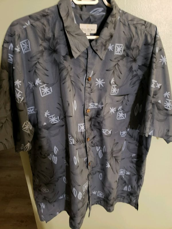 Collection of 20 mens shirts in various sizes 8f0f86aa-df53-467b-b6ff-a80015a82e3f