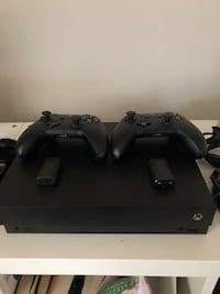 XBox One X with Xtra Controller and Recharble Batteries Charlotte, 28214