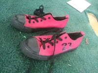 pair of pink-and-black low top sneakers Saint Matthews, 29135