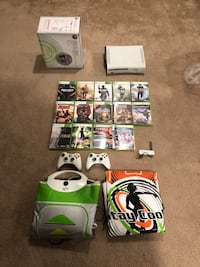 Xbox 360 with Games and Extras! Bayville, 08721