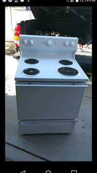 Electric stove with a hood vent Americana brand  Tucson, 85746