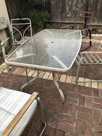 Glass top patio table with 4 metal Lodi, 95240