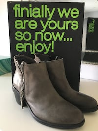 HANGAR Gray Leather Ankle Boots Vaughan