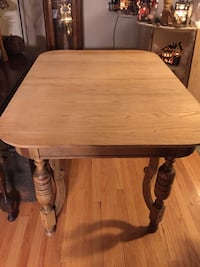 Antique dining room table Brookfield, 53045