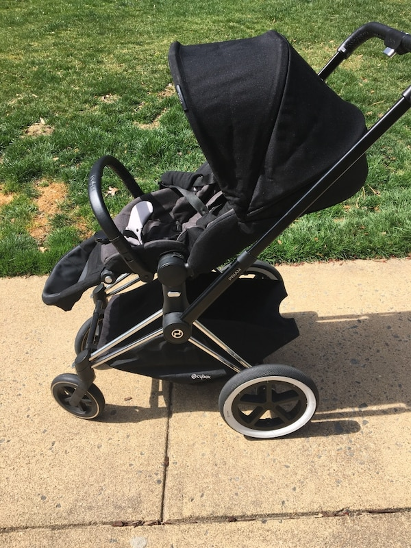 Cybex stroller, car seat with 2 bases