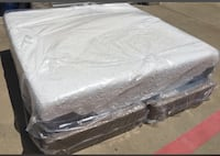 King Serta iComfort gel mattress Seagoville, 75159