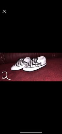 pair of white-and-black sneakers Mather, 95655