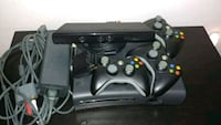 XBOX 360 + KINECT + 3 wireless controllers + game Lexington, 40514