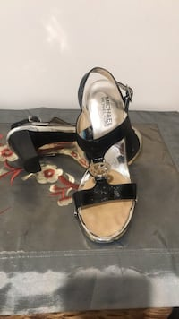Michael Kors black patent leather high heel sandals great for all Occasions size 7 very very good condition Toronto, M9V 5E5