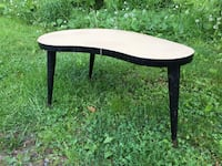 round white and black wooden table Montréal, H2A 3M4