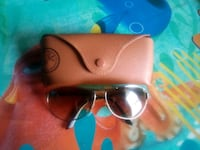 black framed Ray-Ban wayfarer sunglasses with case Dumfries, 22026