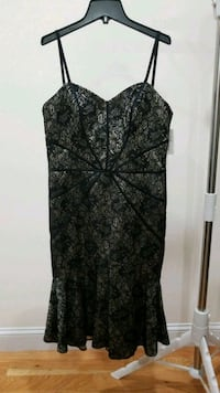 Black and gold mermaid cocktail dress Size 8 Queens, 11102