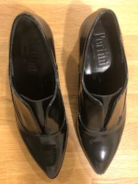 Pertini Black Patent Leather No-Lace Shoes