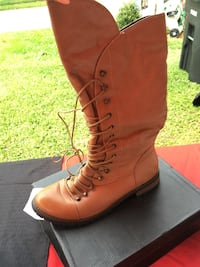 Size 10 Tan Boots Kenner, 70065
