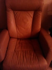 Leather recliner chairLeather Nanaimo