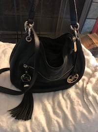 Mk authentic leather purse  Mississauga, L5N 2R8