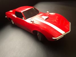 1968 Eldon Chevrolet Corvette batteries hard plastic toy car. Vintage