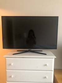 "samsung 42"" flat screen TV Arlington, 22204"