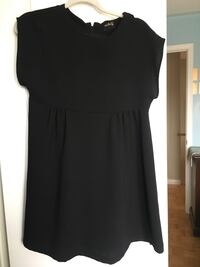 Black scoop neck sleeveless dress