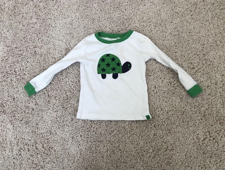 Photo Size 18-24 Month Baby Gap Shirt
