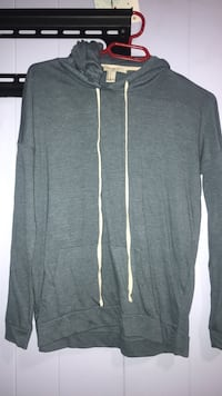 Light forever 21 sweater size S Ajax, L1S 1L3